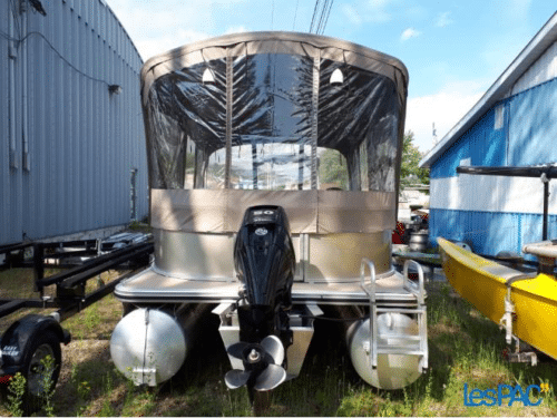 18 pieds Harris avec 50 hp mercury